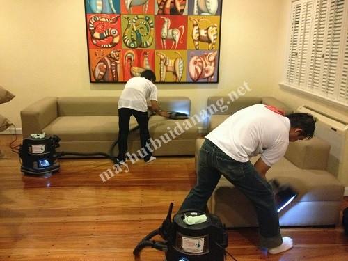 Máy hút bụi Hiclean dùng trong dọn dẹp không gian gia đình với diện tích rộng