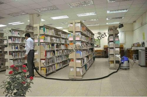 Nên sử dụng máy hút bụi không ồn để vệ sinh cho thư viện