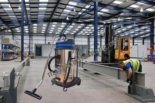 Máy hút bụi Supper Clean AS 70 phù hợp để vệ sinh nhà xưởng