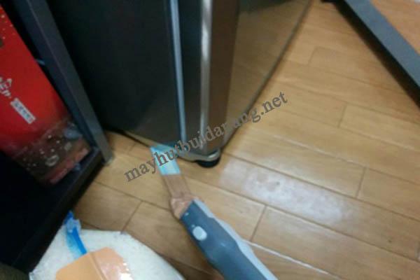 Với mẹo vặt này, làm sạch khe tủ lạnh là điều đơn giản