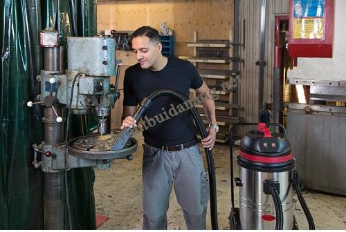 Sử dụng máy hút bụi TopClean cho nhà xưởng
