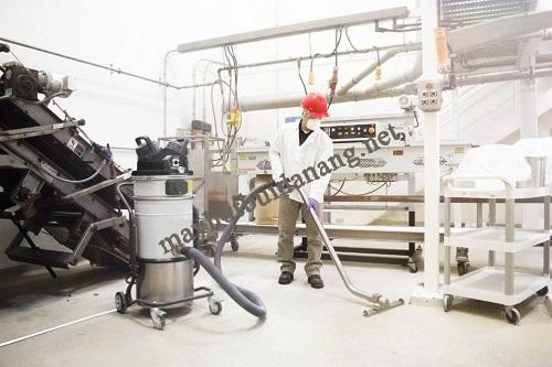 Các doanh nghiệp sản xuất gạch men hiện rất ưa chuộng sử dụng máy hút bụi nhà xưởng