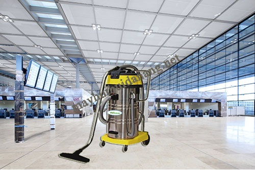 Sử dụng máy hút bụi hút nước là biện pháp vệ sinh hữu hiệu cho sân bay, nhà ga