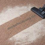 Chúng ta có thể sử dụng máy hút bụi hút nước để làm sạch thảm len dễ dàng