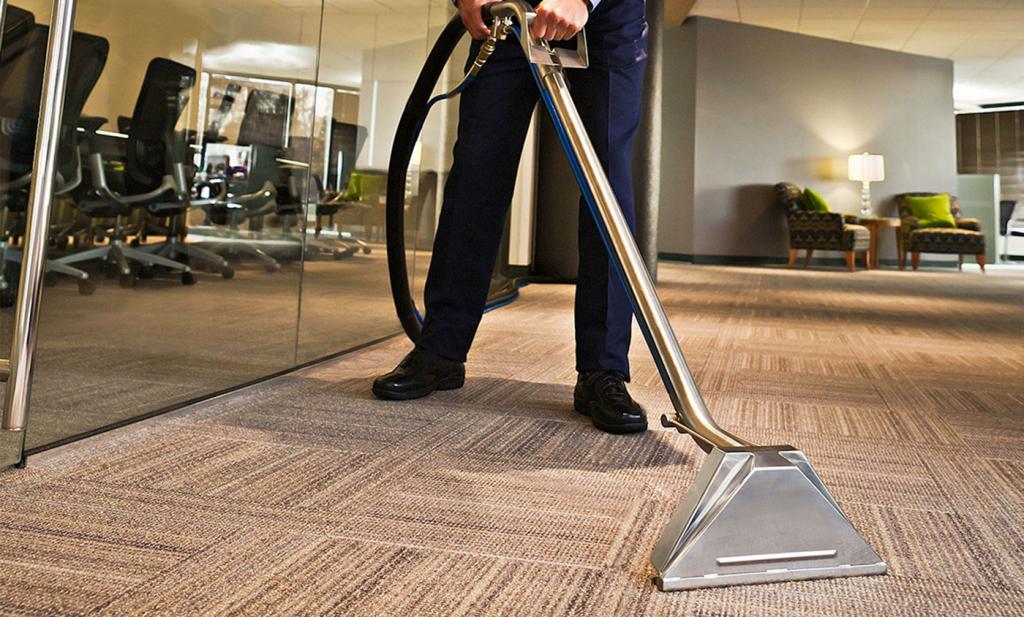 Máy giặt thảm phun hút là một trong những phương pháp hiệu quả cho thảm trải sàn
