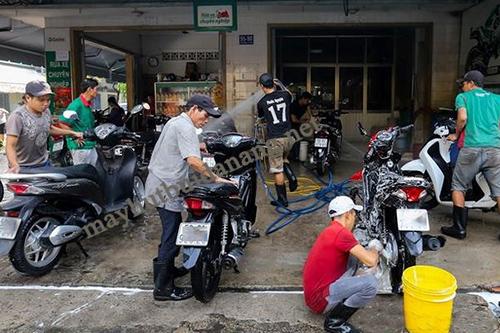 máy rửa xe cao áp được sử dụng chủ yếu trong các tiệm rửa xe