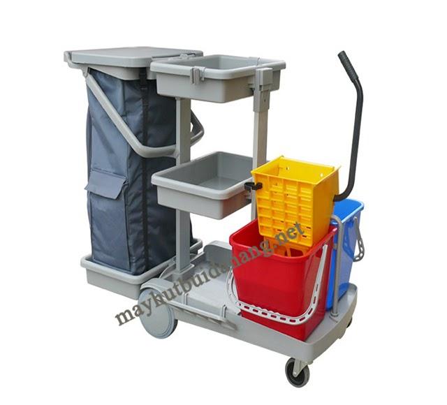 Xe đẩy dọn vệ sinh là thiết bị vệ sinh nhà cửa rất phù hợp với sân vườn, khu nuôi trồng của gia đình