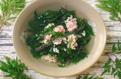 Lá đinh lăng được sử dụng để nấu canhđể bồi bổ cho phụ nữ có thai