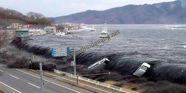 Sức mạnh khủng khiếp của cơn sóng thần