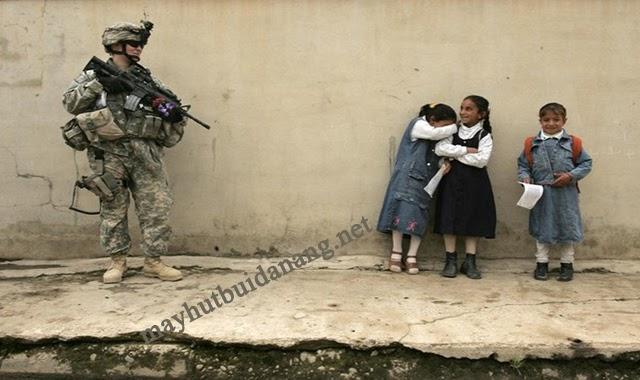 """Bức ảnh gây """"ám ảnh"""" trong chiến tranh tại Iraq, năm 2003"""