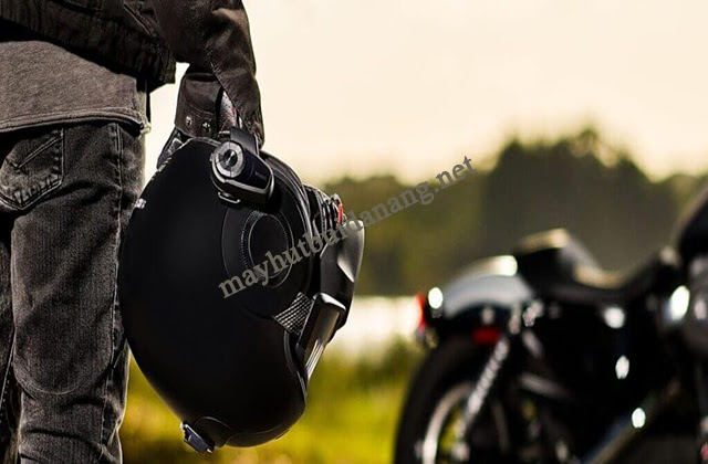 Tai nghe gắn mũ bảo hiểm sử dụng phù hợp cho các biker