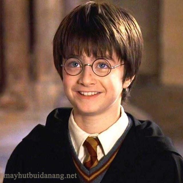 Nhân vật chính Harry khi mới 11 tuổi
