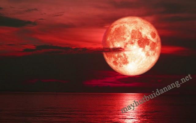 Bạn đã biết mặt trăng máu là gì?