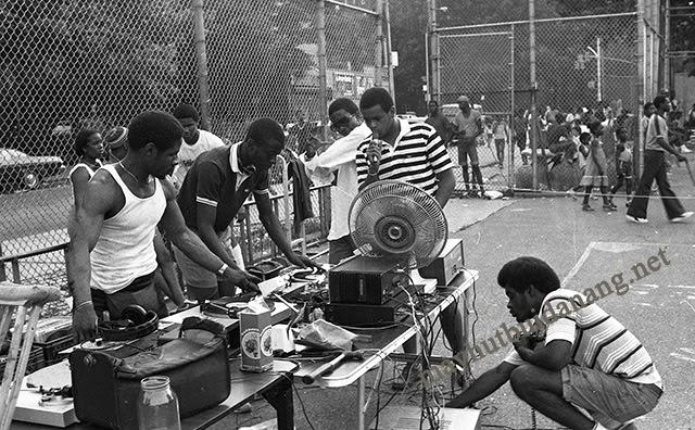 Nhạc Rap có nguồn gốc từ người dân Tây Phi